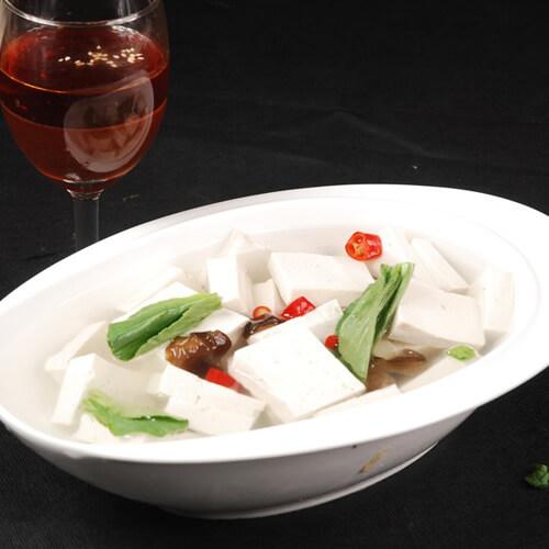 鸡汁小白菜豆腐汤