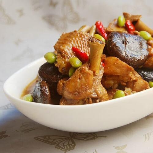香菇玉米烧鸡肉