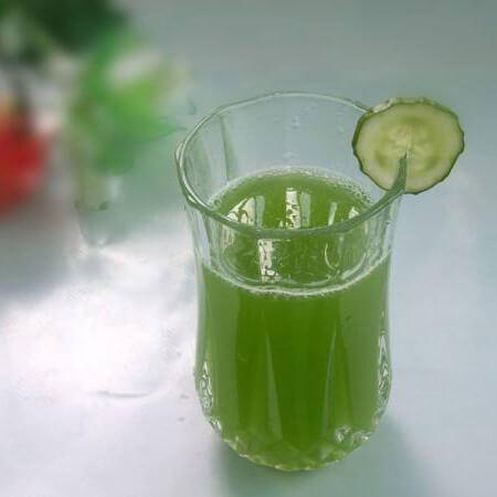 鲜榨蜂蜜芹菜汁