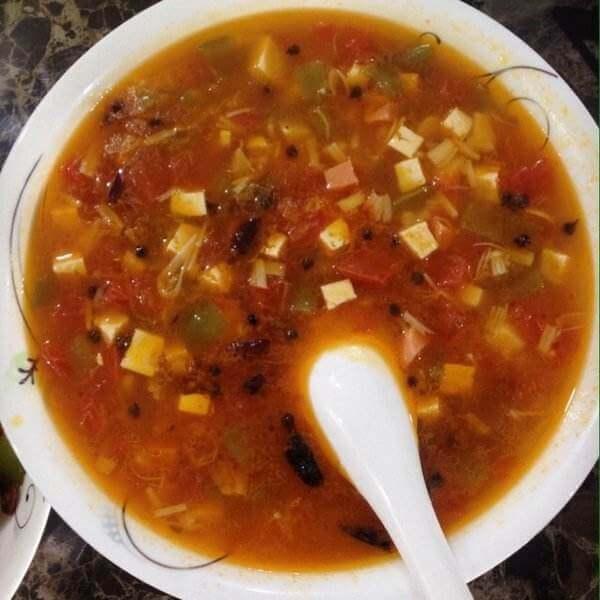 番茄丝瓜肉沫酸辣汤