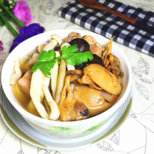 墨鱼菌菇养生汤