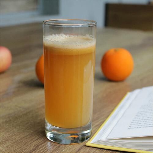 清甜爽口的泡泡苹果汁