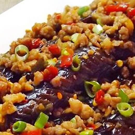 香辣的剁椒肉末烧茄子