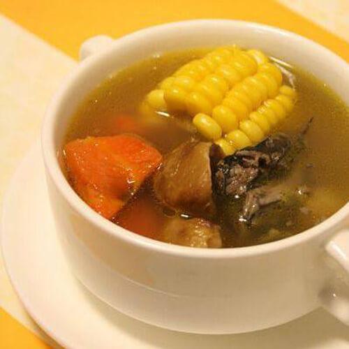 参丝玉米乌鸡汤