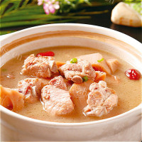美味营养的排骨藕汤