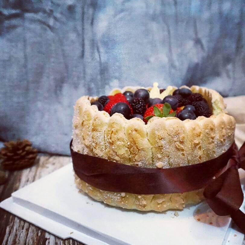 雪里红戚风蛋糕(我做的第一个裱花蛋糕)