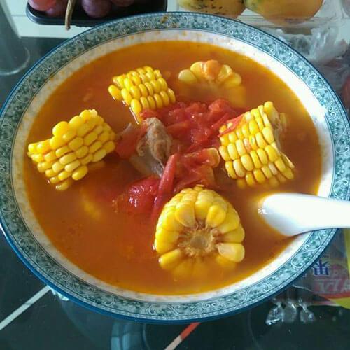 排骨玉米番茄汤