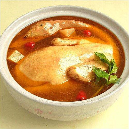 药材炖老鸭汤