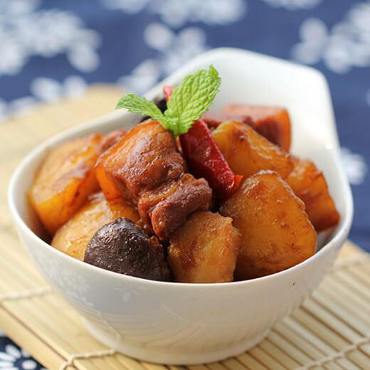 香菇土豆烩肉片