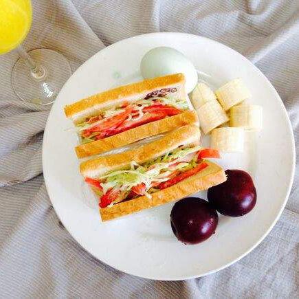 自制果蔬三明治早餐