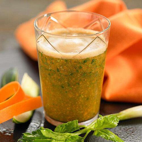 健康鲜榨蜂蜜苦瓜芹菜萝卜