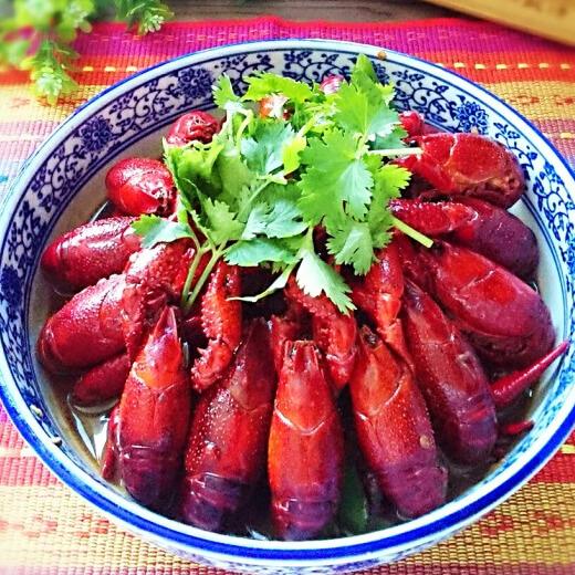 汉族名菜江苏红烧小龙虾