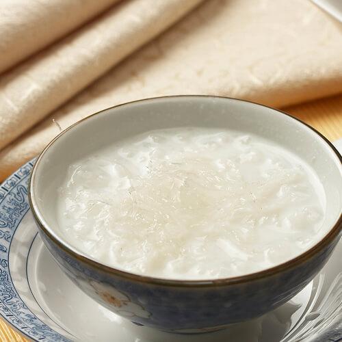 健康营养的五谷燕麦牛奶粥