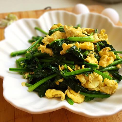 常吃不腻的菠菜炒鸡蛋