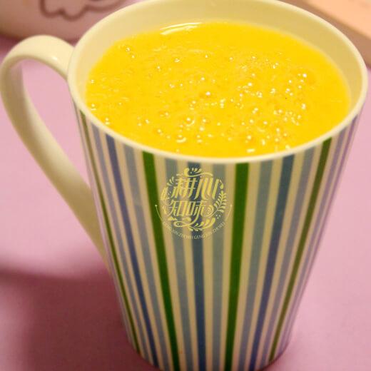 鲜榨荔枝芒果汁