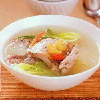 清炖萝卜鲤鱼汤