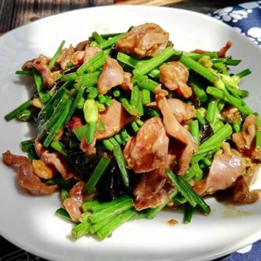 韭菜苔炒鸡杂