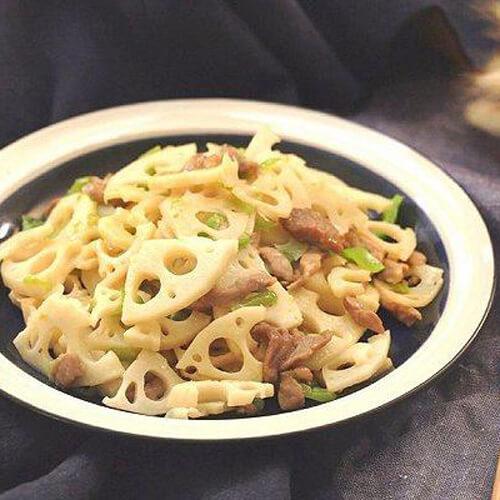 鲜辣可口肉丝炒青椒藕片