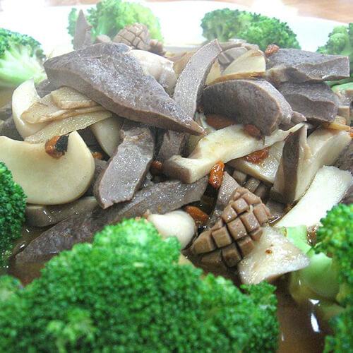 平菇炒猪肝