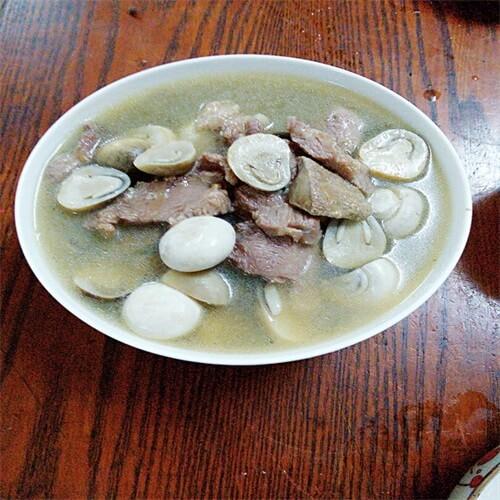 口蘑草菇猪肝肉片汤