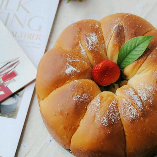 俏丽椰丝花朵面包