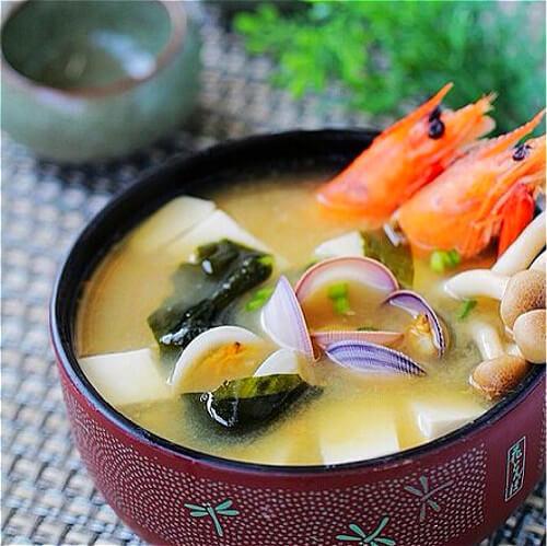 独特的日式味增汤