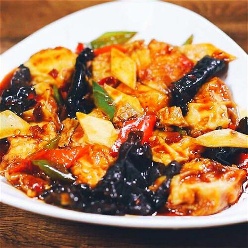 黑木耳茭白煮兰花豆腐