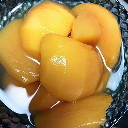 美味的水蜜桃罐头