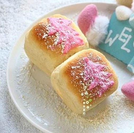 好看的圣诞风苹果酱方形小面包