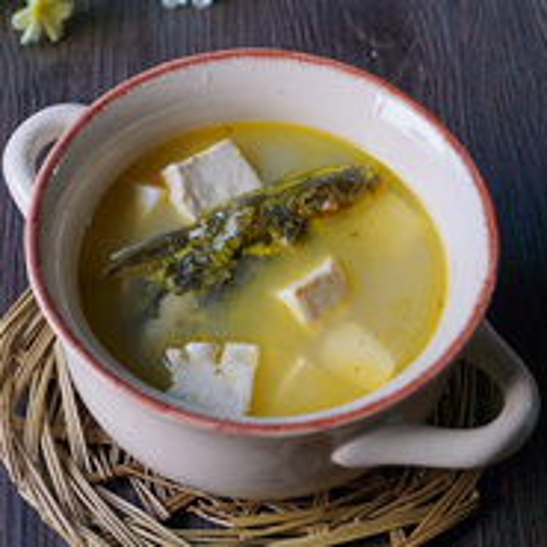 美味可口的昂刺鱼炖冻豆腐