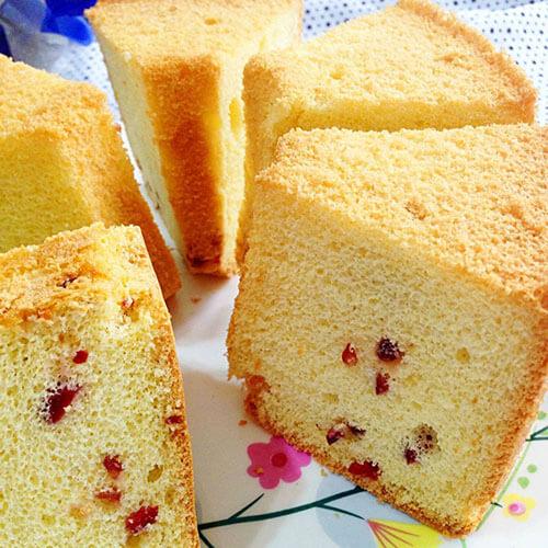 美味的蔓越莓椰蓉戚风蛋糕