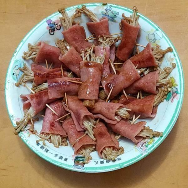 火腿卷金针菇