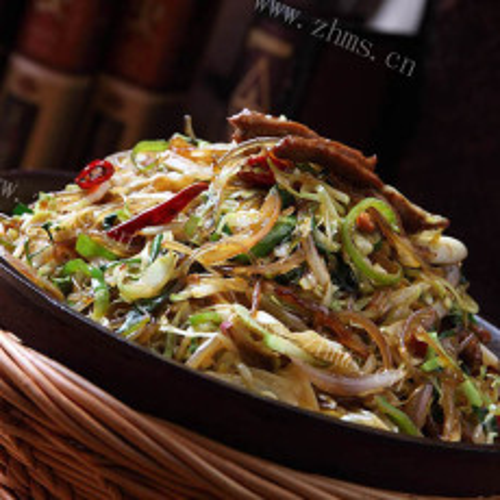 榨菜丝牛肉炒圆白菜