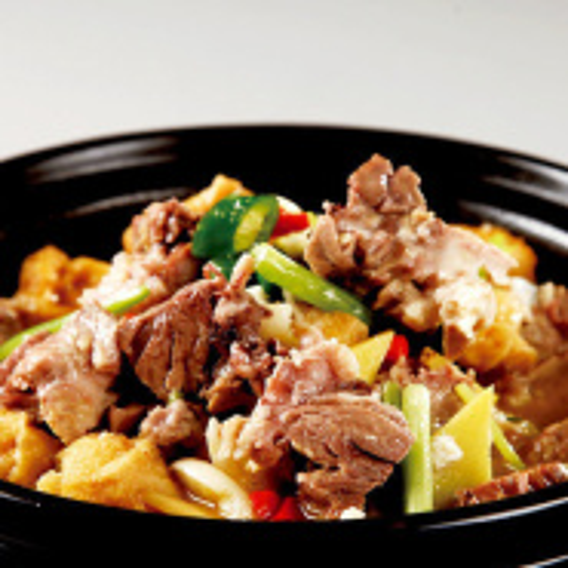 油豆腐炖猪蹄