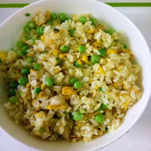 豌豆虾皮蛋炒饭