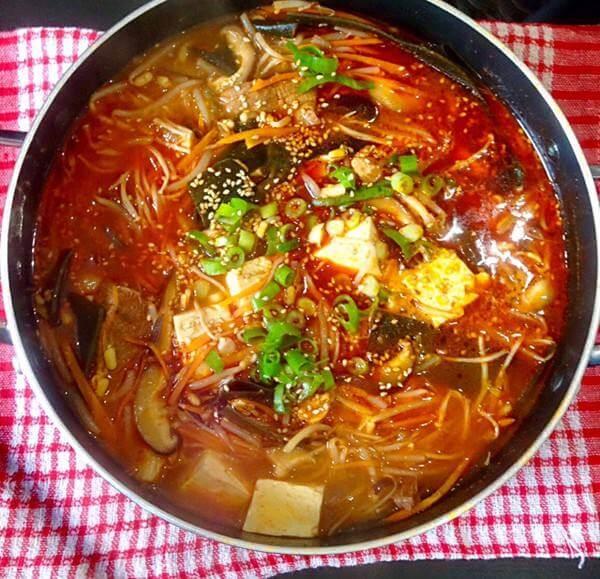 美味韩国辣牛肉汤