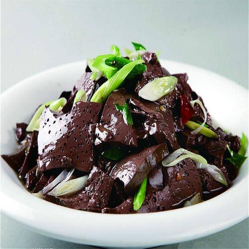 美味健康的盘菜炒鸭血