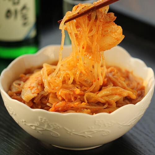 美味泡菜炒红薯粉