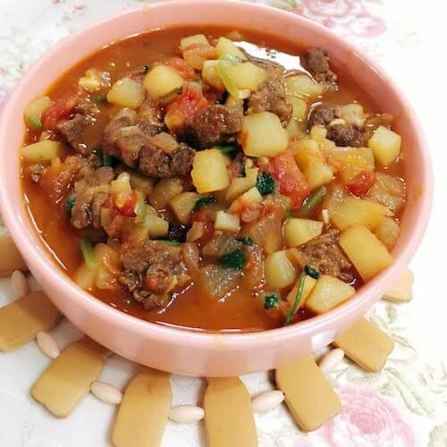 牛肉炖柿子土豆