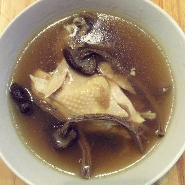 茶树菇顿鸡腿