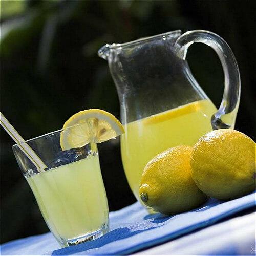 橙子柠檬排毒水