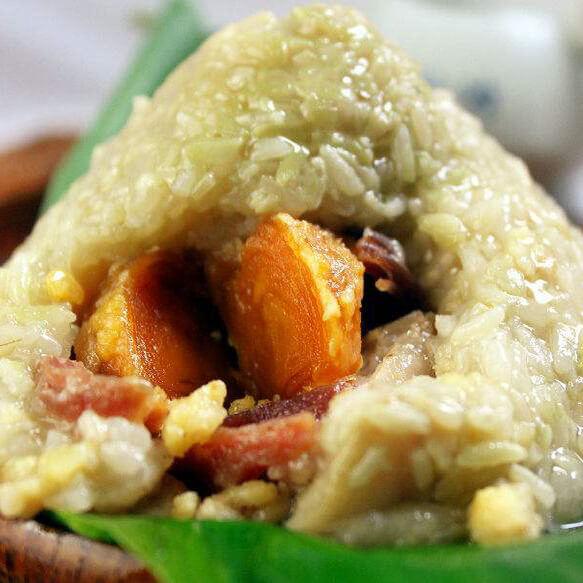 自制咸蛋黄鲜肉粽子