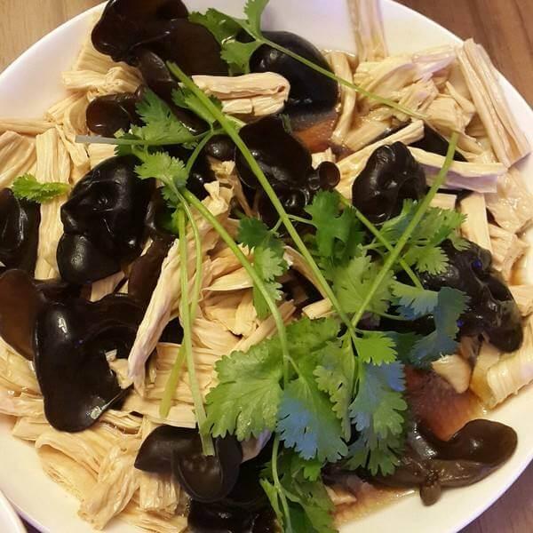 黑豆腐竹炝时蔬