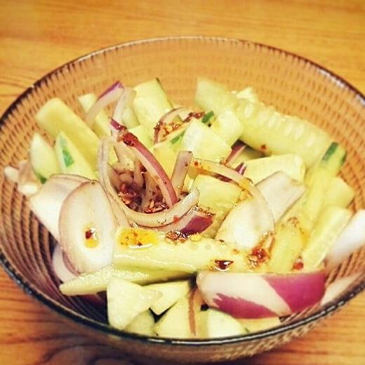 洋葱凉拌黄瓜