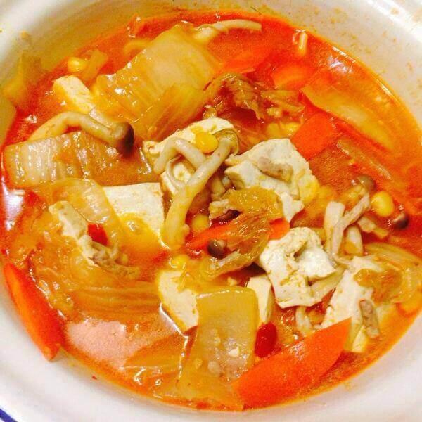 鲜美韩国泡菜锅