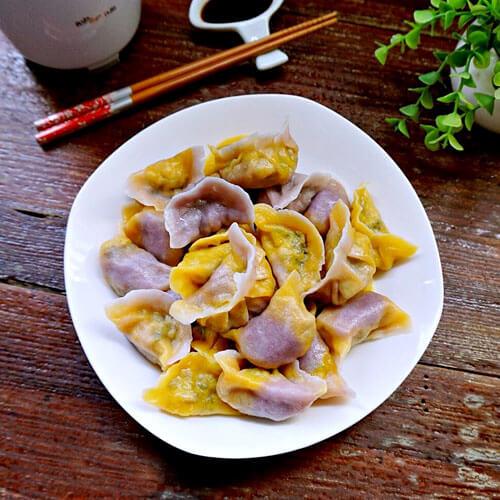 鸡脯肉猪肉酸菜饺