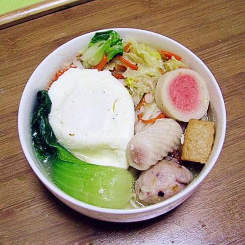 鸭蛋白菜挂面饺子