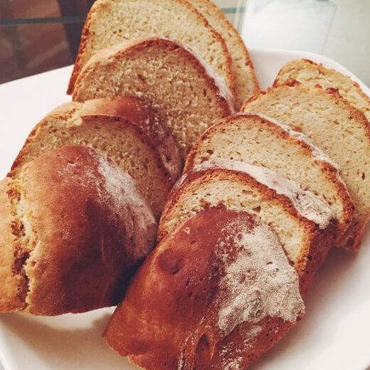 美味的优格香蕉苏打面包