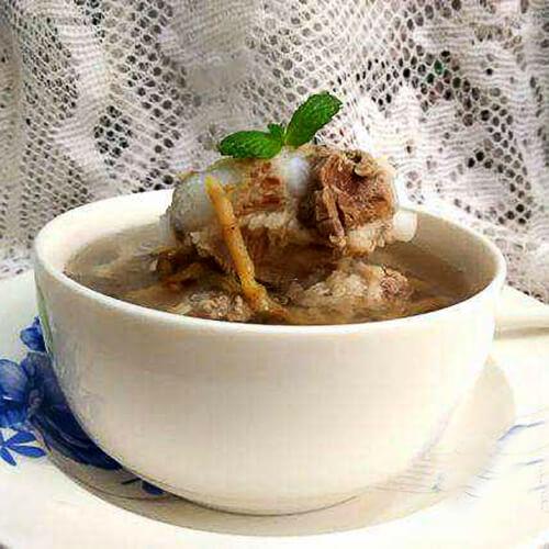 鱼腥草棒骨汤
