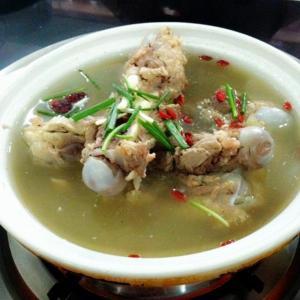 猪扇骨煲菜干汤